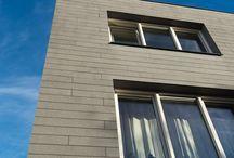 Colorstone Naturals stenen gevelbekleding met de natuurlijke schoonheid van lei- of natuursteen / De ontwerpflexibiliteit van deze stenen gevelbekleding is uniek door het geringe gewicht. De stenen gevelbekleding is door en door gekleurd en samengesteld uit natuurlijke materialen. Het kleurenpalet van Colorstone Naturals is zeer uitgebreid. Er zijn 1001 mogelijkheden die het product aan kleurnuances te bieden heeft. De kleuren zijn in verschillende texturen leverbaar en hebben de esthetische aantrekkingskracht van natuursteen.