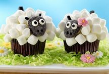 Cupcakes / by Angelina Dominguez