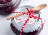 Crafts - Homemade Gifts / by Cindy Wartenberg Kolpek