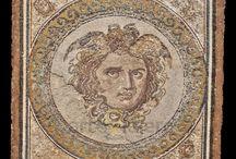 Mosaicos / Obras maestras del arte musivario e interesantes restos.