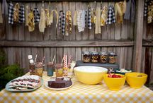 Party Ideas--Yeah like I'd have one. / by Juliana Aldous