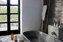 bathroom ideas inspiration dark svart o grå