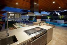 HOUSE: Alfresco