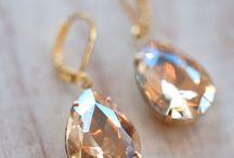 Jewelry: Earrings / Women's Jewelry / by Maria Varni