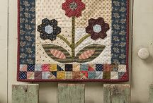 Small And Scrappy quilts / Small and Scrappy quilt pattern book by Kathleen Tracy