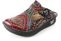 Comfortable Stylish Shoes / Fed up of comfortable shoes from the usual high street names that everyone has? We've found lots of stylsih shoes that you will want to wear, not have to wear that are comfortable and fit well.