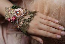 wrist cuff -antique laces
