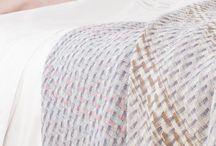 Plaids Mantas / Mantas tipo plaid para sofá o pie de cama fabricadas y confeccionadas con los mejores materiales (algodón, lana, lambswool), y diseños únicos, sofisticados y exclusivos.  Mantas de sofá Mayfly. Plaids algodón y lana 100%
