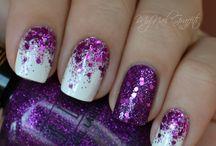 Pretty nails makes a girl :)