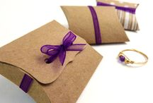 Jewelry box / Ideas on how to package jewelry, including gift wraps.