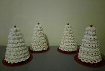 Alberi di Natale con dischetti di cotone
