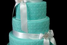 cakes / by Myrna Torres