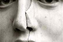 imperfezione...finitezza /  imperfezione /imperfe'tsjone/ s. f. [dal lat. tardo imperfectio -onis]. - 1. [proprietà di ciò che è imperfetto: l'i. della natura umana] ≈ finitezza, incompletezza, incompiutezza, limitatezza. ↔ compiutezza, completezza, perfezione. 2. [difetto che rende qualcosa imperfetto: avere un'i. fisica] ≈ anomalia, deficienza, difetto, fallo, mancanza, manchevolezza, menda, neo, pecca. ↔ impeccabilità, inappuntabilità, perfezione.