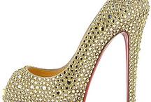 shoe love / by Bianca Ybarra