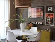 Home Staging: Retro Ideas / This look isn't for everyone but can really fit homes built in that era.