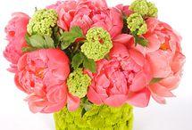 Floral arrangements / My love of flowers / by Heidi Verzwyvelt