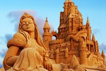 Creativity at the beach / Sand castles and much more creativity found on the beach