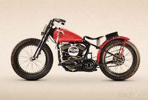 motos / by Miguel Campos