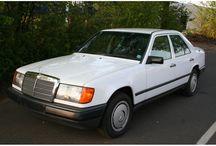 Mercedes-Benz 230 E W124 / MB 230 E W124 - Model:200-Klasse Type:200 230E BELASTINGVRIJ Inrichting:Sedan (4 drs) Vermogen motor:132 PK Aantal cilinders:4 Bouwjaar:september 1985 Kleur: Licht wit Brandstof:Benzine Versnellingsbak:Handgeschakeld, 5 versnellingen Km. stand:149.000 km Cilinderinhoud:2.276 cc BTW/Marge:Marge Prijs: € 7.500 Kosten rijklaar maken:€ 650