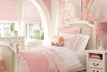Quinn's bedroom / by Lisa McFadzean