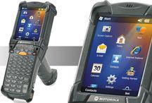 Motorola MC9200 El Terminali / Piyasanın en güçlü El Terminali olan MC9200 benzersiz şekilde hızlı çift çekirdekli işlemciye sahip ve depo, imalat bölümleri gibi zorlayıcı tüm ortamlarda mobil uygulamaları destekliyor. Değişen iş ihtiyaçlarını karşılamayı hedefleyen Motorola MC9200 son inovasyon ve teknolojiyle donatıldı. 10 yıldır bu piyasada olan Motorola Solutions kazandığı güveni bu yeni ürünleri ile hakettiklerini gösteriyor. - http://www.desnet.com.tr/motorola-solutions-mc9200-el-terminali.html