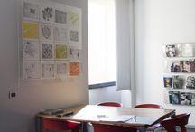 2014 - Mappe della memoria / Opera d'arte realizzata durante il workshop di stampa d'arte ideato e condotto dalla professoressa Alessandra Angelini, docente di grafica d'arte dell'Accademia di Belle Arti di Brera. L'opera è stata realizzata da cittadini carugatesi e studenti dell'Accademia. L'opera è diventata patrimonio comunale ed è esposta in maniera permanente presso la biblioteca civica.