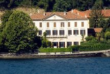Villa Parravicini Revel / Prestigious palace, Villa Parravicini Revel overlooks the beautiful scenery of the first basin of Lake Como, with its majestic neoclassical architecture. Prestigiosa residenza d'epoca, Villa Parravicini Revel si affaccia sullo splendido scenario del primo bacino del lago di Como, con la sua maestosa architettura in stile neoclassico. @COMO