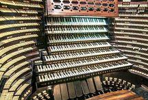 Consoles d'orgue et orgues positifs