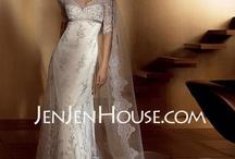 wedding dresses / by Emily Haslag