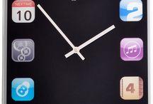 Klokken | Clocks gespot door Wonenonline.nl / Waar het klokje thuis tikt... de leukste klokken geselecteerd door de redactie van Wonenonline.nl