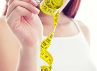 """Abnehmcoach Leichter leben / Mit dem HausMed Coach Leichter leben in ein schlankeres und gesünderes Leben! Mit Hilfe des Coaches erfahren Sie, wie leicht Sie Ihre Ernährung umstellen können, ohne dabei auf Genuss zu verzichten. Sie werden sich attraktiver fühlen und nachher nicht mehr dramatisch zunehmen, wie es häufig bei Diäten vorkommt. Geben Sie Ihrem Leben eine neue """"Leichtigkeit"""" und verringern Sie dabei ganz nebenbei das Risiko chronischer Erkrankungen wie Diabetes oder Bluthochdruck."""