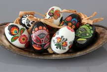 Inspirations from tradition / Who says decorated eggs must be only for Easter? Those modern ones may be successfully applied as an all-year decoration!