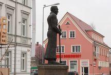 masakra pomniki rzeźby