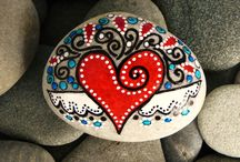 rocas decoradas