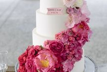 Floral wedding cakes / All sorts of floral wedding cakes, sugar flowers, fresh flowers and everything in between.