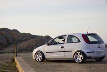 Opel Corsa / Fotos sobre algunos Opel Corsas, de todas las generaciones, repartidas por el mundo.