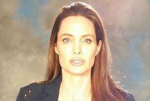Η πρώτη εμφάνιση της Τζολί μετά το διαζύγιο με τον Μπραντ Πιτ – ΒΙΝΤΕΟ
