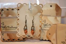 earrings cards / Show off your handmade earrings with style using one of these clever earring card holder ideas.