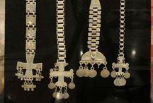 Sogni del Rütrafe / Ornamenti Mapuche in argento Collezione dell'Universidad Católica de Temuco Mostra temporanea 22 aprile - 31 luglio 2015