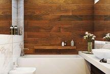 13 Banheiros com Pisos de Madeira! / Veja + Inspirações e Dicas de decoração no blog!  www.construindominhacasaclean.com