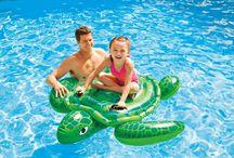 Jeux de piscine gonflables / Des jeux gonflables originaux pour la piscine ou la mer à découvrir sur www.raviday-piscine.com.