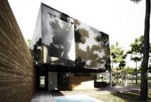 Roundkick House