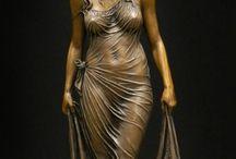 Sculpturi în...