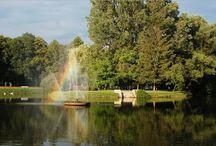 Nałęczów / Nałęczów to miasteczko położone w województwie lubelskim, w powiecie puławskim będące granicą trójkąta turystycznego Puławy – Kazimierz Dolny – Nałęczów. Nałęczów jest często odwiedzany przez turystów ze względu na liczne atrakcje turystyczne. Uważane przez turystów za ciekawe miejsce w Polsce i dobrym pomysłem na weekendowy wyjazd.