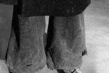 Hungerwinter 1946/47 in Deutschland / Zwischen November 1946 und März 1947 müssen die Menschen im kriegszerstörten Deutschland einen der kältesten Winter des 20. Jahrhunderts durchleben. Vor allem die Bewohner der zerbombten Städte kämpfen mit dem Hunger. Die Anzahl derer, die im Verlauf der Kälteperiode an den Folgen von Frost und Mangel sterben, wird auf mehrere hunderttausend Tote geschätzt.