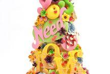 Spectacular Cakes / by Sandy Elliot Newby