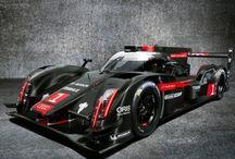 2014 Audi R18 e-tron quattro LMP1 Racecar