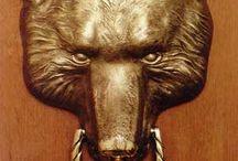 Knobs, knocker.Било на дверь. / Било в форме головы медведя. Бронза  литье. Возможен авторский повтор. Срок один месяц.