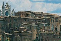Сиена. Церковь Святого Себастьяна. / Церковь Сан-Себастьяно в Vallepiatta находится в Сиене на площади в лесу и в настоящее время принадлежит Контрада делла Wood.