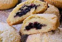 biscotti morbidi ripieni con marmellata di mirtilli